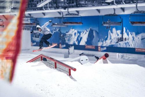 B&T_Skihalle_snowboard-2048-2