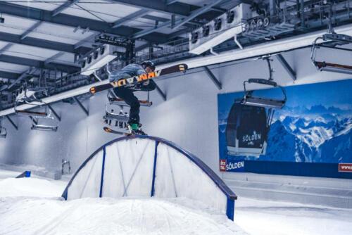 B&T_Skihalle_snowboard-2048-3