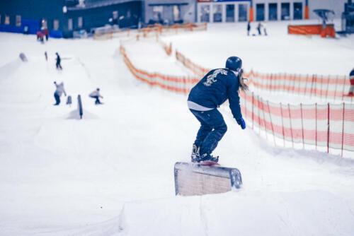 B&T_Skihalle_snowboard-2048